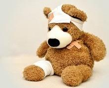 Teddy und Kind krank