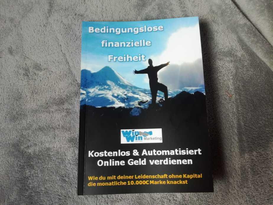 Heute mal eine Buchvorstellung: Lars Pilawski: Bedingungslose finanzielle Freiheit